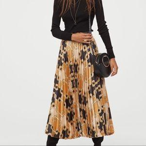 Richard Allan x H&M Pleated Satin Skirt